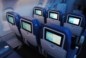 Paxnouvelles une flotte accord on pour air transat for Interieur avion air canada