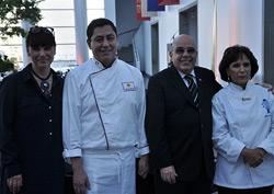 Nathalie Bondil, directrice du Musées des beaux-arts de Montréal, Martin Oré, chef du restaurant montréalais Mochica, José Luis Peroni, directeur commercial de PromPeru, et Gloria Hinostroza, professeure de cuisine à l'École Cordon Bleu, de Lima.