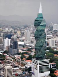 La tour torsadée du F&F Building.